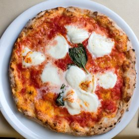 Authentic italian pizza dough recipe the real neapolitan pizza margherita forumfinder Images